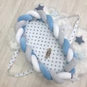 Кокон - бортик для новорожденных коса серо-голубой
